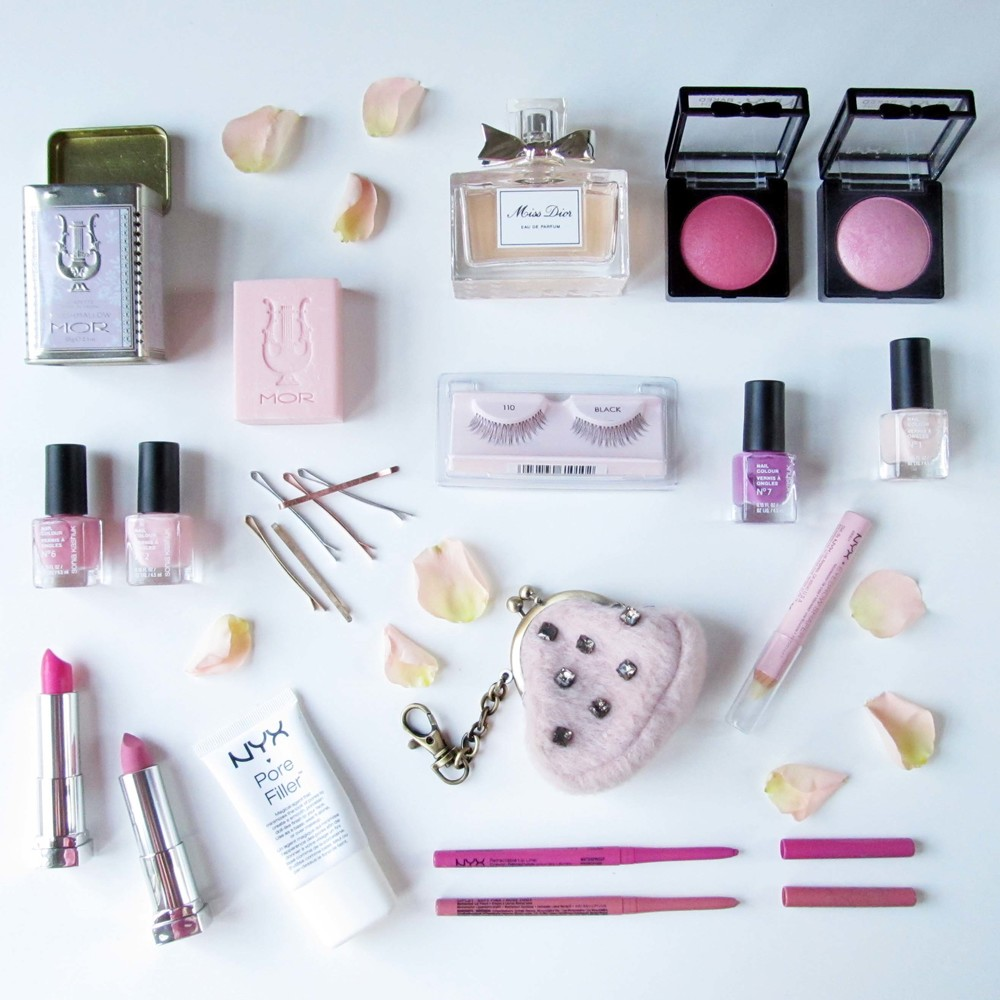 nyx+cosmetics+makeup+girly+flatlay